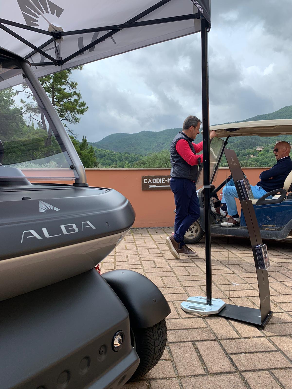 Garlenda Golf Club_stand_2